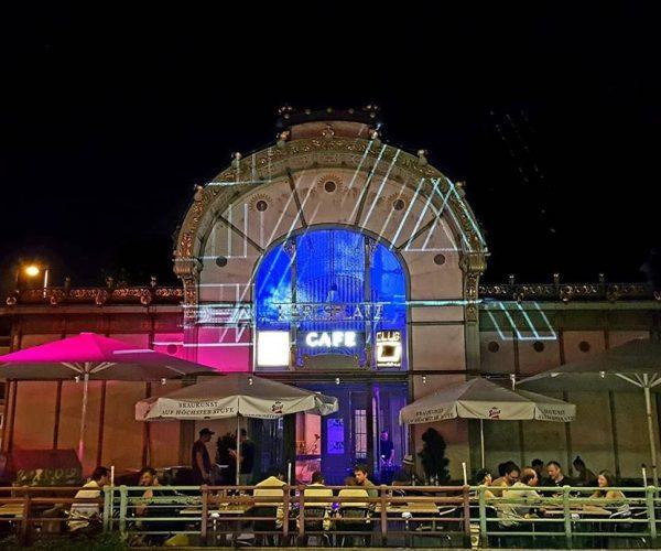 Club-u Nachtclub Nachtansicht